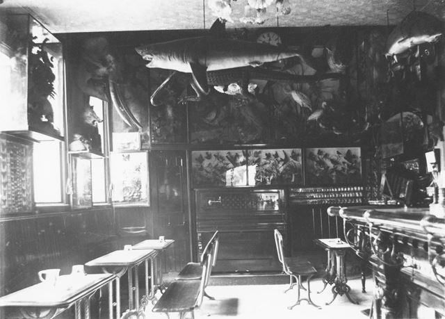 Interior of The Sir Colin Campbell Public House, Robin Hood Street, Sneinton, Nottingham,  c 1900s