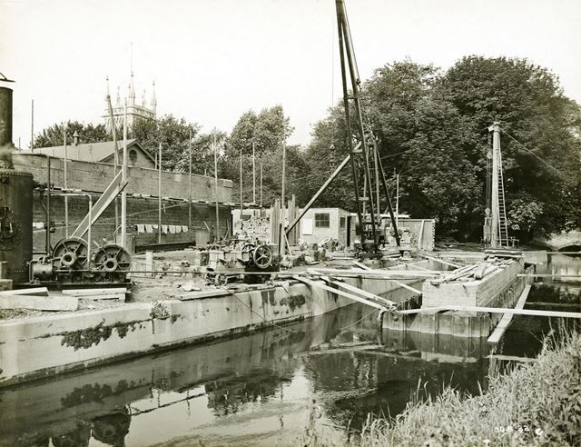 Culvert and bridge pier building on the River Leen during the development of Western Boulevard