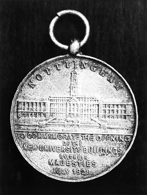 King George V and Queen Mary Medal issued for the opening ceremony of the New University of Nottingh