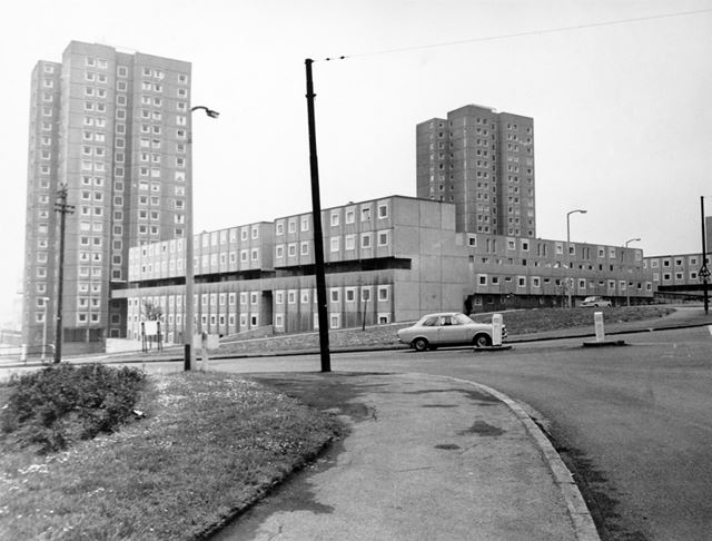 Flats at the junction of Mill Street and Stockhill Lane