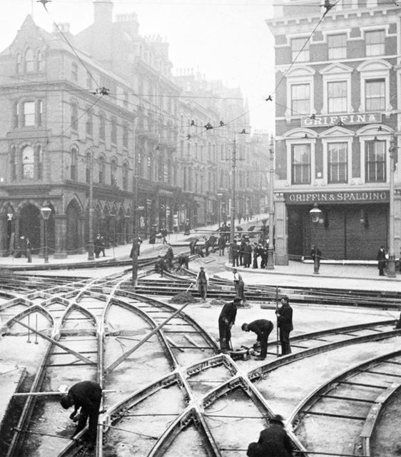 Track laying for the electric tram system