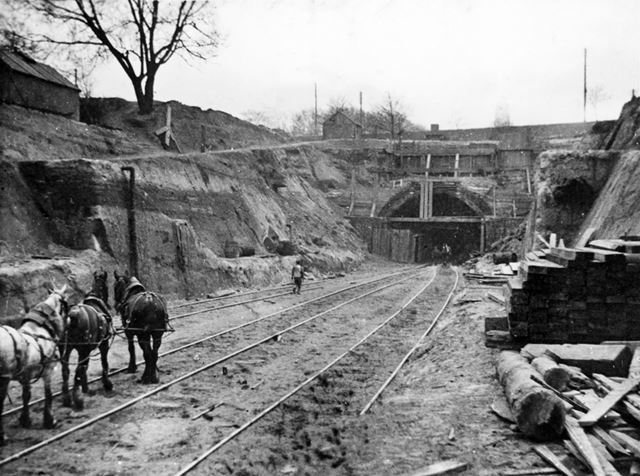 Construction of the Great Central Railway - Carrington Tunnel