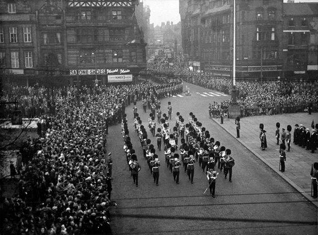 Grenadier Guards marching past the Council House