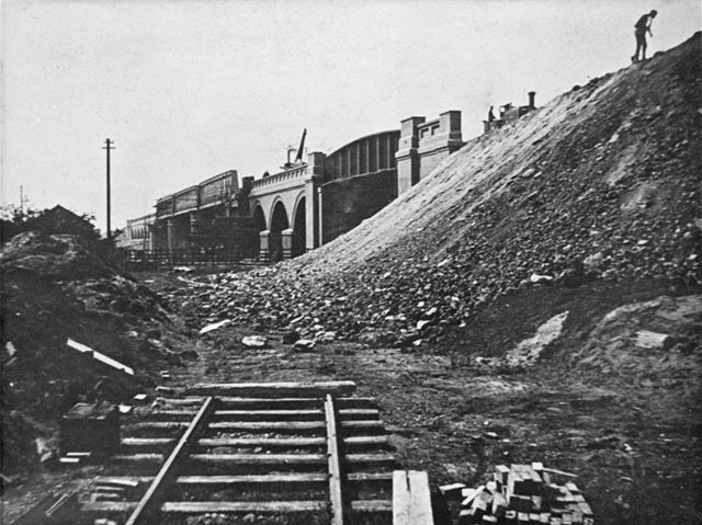 Construction of the Great Central Railway Bridge - Wilford