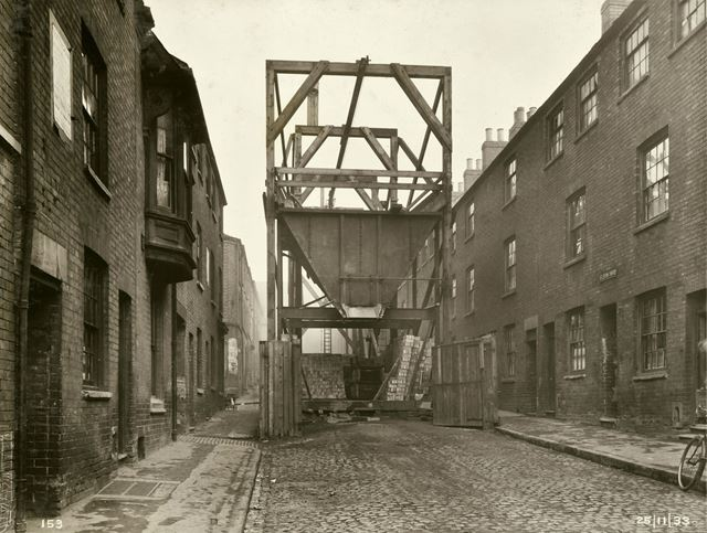 Sewer Construction - Working Shaft no 3, section 2 - Eldon Yard - Upper Eldon Street
