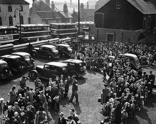 Evacuated children from Nottingham, Worksop, 1939