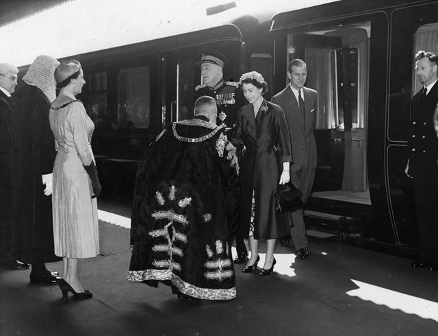 Royal visit, Midland Railway Station, 1955