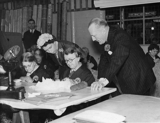 Royal visit, Burkin & Co. Ltd, Broadway, Stoney Street, Lace Market, 1955