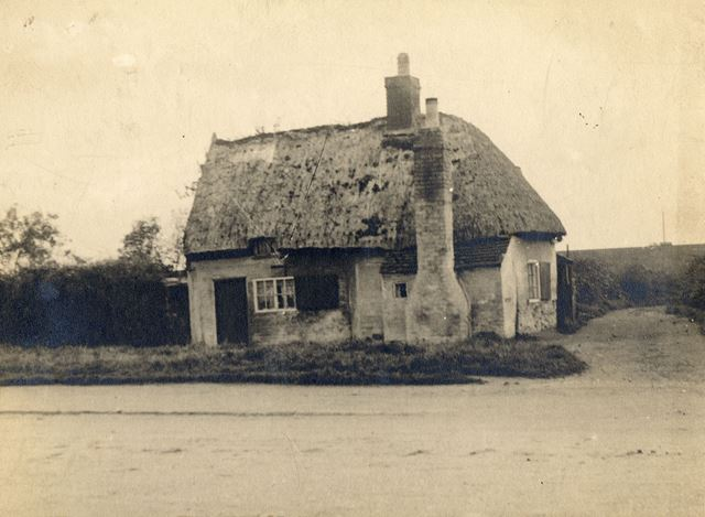 Cottage at Junction  of Vernon Ave and Main Road, Wilford, c 1880s-1900s