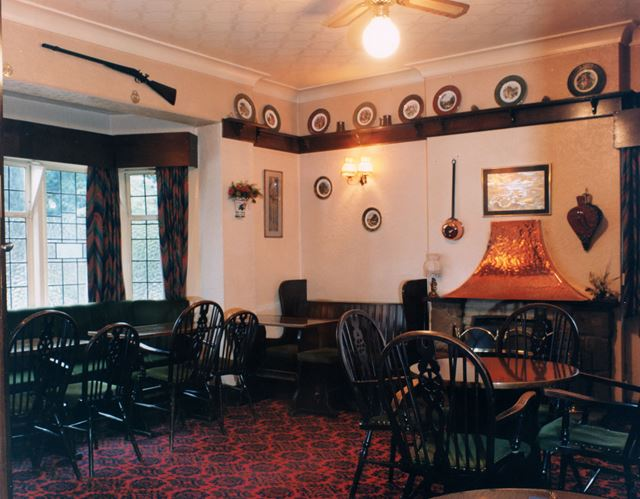 Lounge Bar of the Four Bells Public House, 87 Main Street, Woodborough, 1999