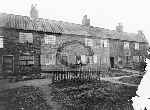 Brick Row, off Queen Street, Basford, c 1912