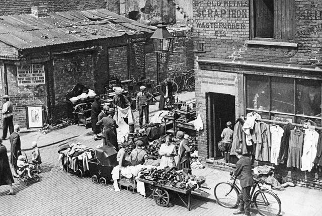 Market Stalls outside John Pownall's on Colwick Street, Nottingham, c 1933