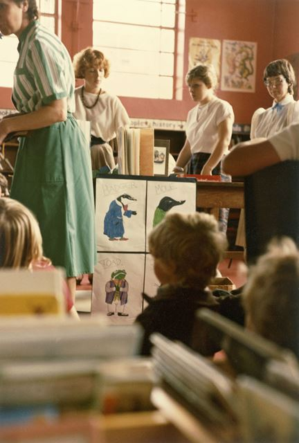 Children's summer activities, Branch Library Interior, Nuthall Road, Aspley, 1983