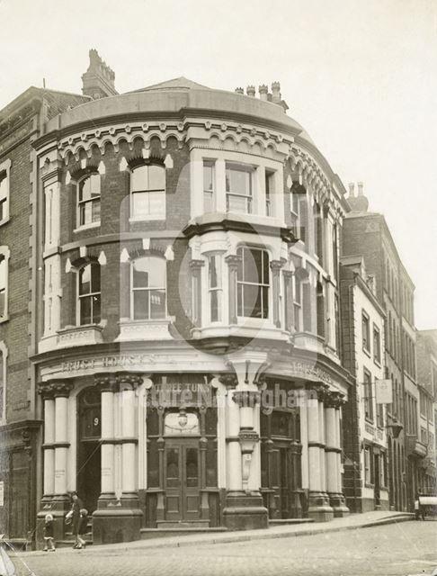 Three Tuns public house, corner of Warser Gate, Lace Market, Nottingham, 1926
