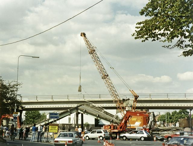 Flyover constuction, Abbey Street - Beeston Road (A6005) roundabout, Dunkirk, Nottingham, 1989