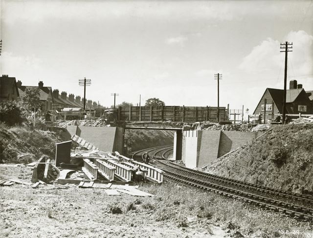 Construction of new Arnold Road Bridge, Basford, Nottingham, 1939
