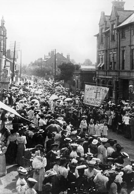 Church Sunday School Procession, Post Office Square, Beeston, c 1903