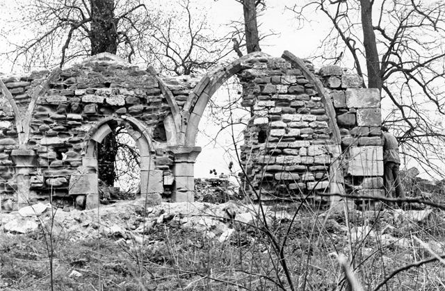 Haughton Chapel ruins, south bank of River Maun, near Haughton, 1978