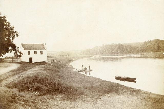 Hoveringham Ferry, c 1900s