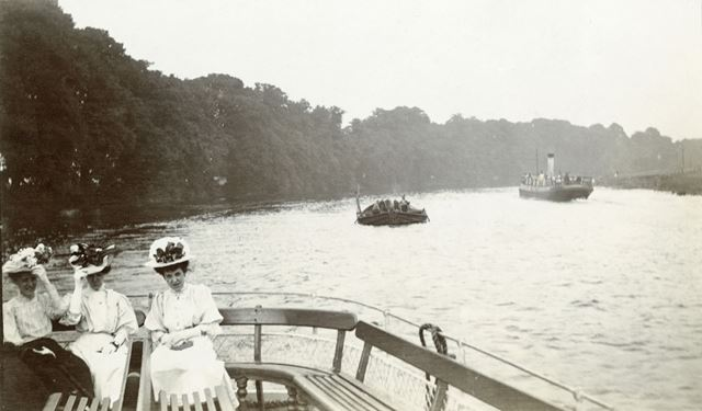 Steamers on the River Trent, Colwick, Nottingham, c 1905