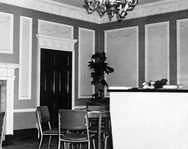 Main Entrance Hall and Lounge, Colwick Hall, Colwick Park, Nottingham, c 1950s