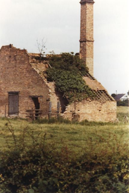 Old Lime Kiln in a field off Kinoulton Road, Cropwell Bishop, 1972