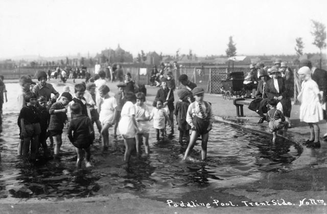 Paddling Pool, Victoria Embankment, The Meadows, Nottingham, c 1925