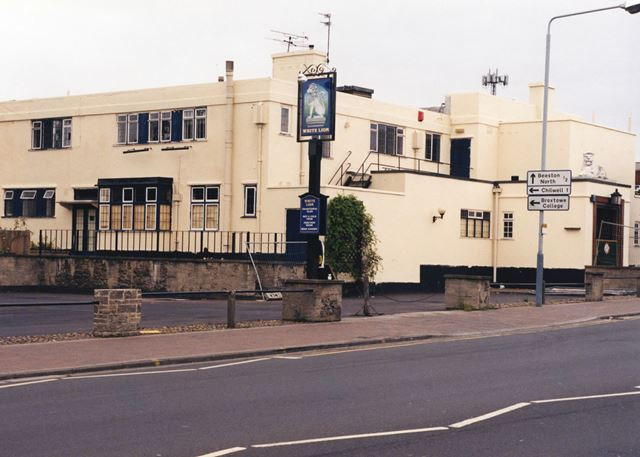 White Lion Pub, Middle Street, Beeston, Nottingham, 1998
