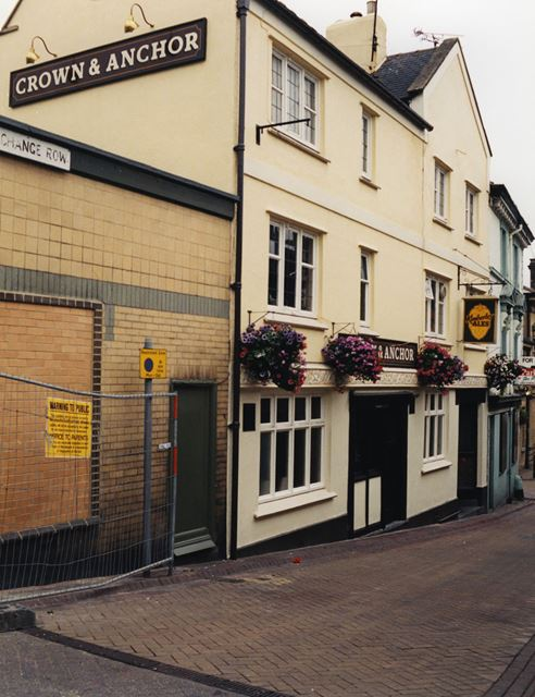 Crown and Anchor Pub, Exchange Road, Mansfield, 1998