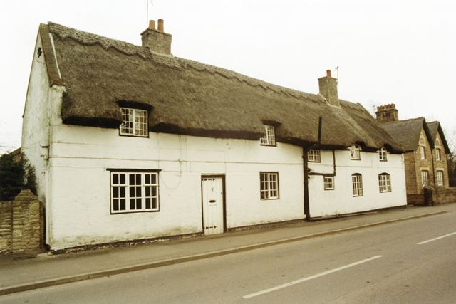 Thatched cottages on Main Street, Normanton on Soar, 1985