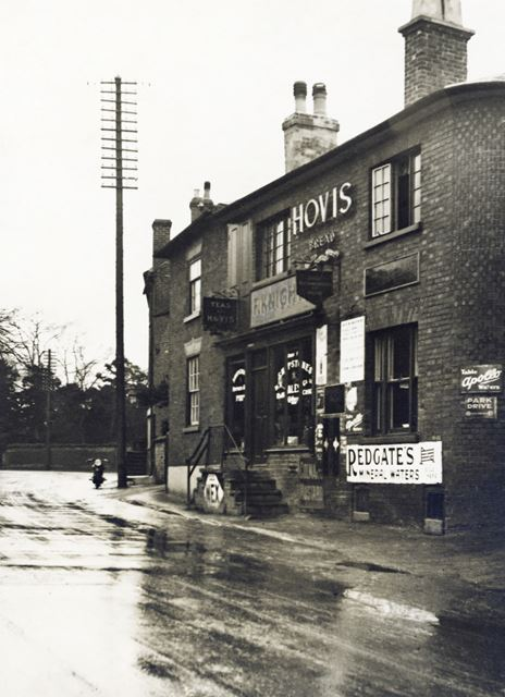 F Knights' grocery shop, Main Road, Radcliffe on Trent, c 1930 ?